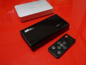 HDMIセレクタ(電源ケーブルが必要です)